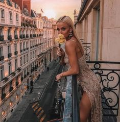 Watch and command live girls for free on FreeBestCams . Luxury Tumblr, Oh Paris, Womens Fashion Stores, Fashion Women, Street Style, How To Fall Asleep, Pretty Woman, Fashion Art, Outfit Of The Day