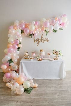 We are soooo on top of it this week with amaze dessert table + balloon installations, aren't we? (See this birthday party if you don't know what we mean!) Morgan of Tulips & Toadstools whipped this up