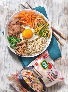 Bibimbap-style Ramen On Your Plates Illustrated Cooking Recipes Vegetarian Recipes Videos, High Protein Vegetarian Recipes, Healthy Recipes On A Budget, Clean Eating Recipes, Healthy Dinner Recipes, Cooking Recipes, Soup Recipes, Healthy Snacks, Vegetarian Chili Crock Pot