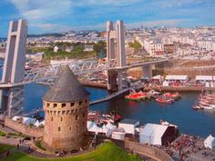 Brest pont de recouvrance et sa tour en france Brest Bretagne, Region Bretagne, Monuments, Brest France, Navy Day, Brittany France, Celtic Music, Back In Time, Tower Bridge