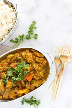 Vibrant and full of aromatic Indian spices and warming flavors, this healthy curry chicken with vegetables recipe uses one pan and makes tons of leftovers for lunch or dinner! {paleo + gluten free + dairy free + vegetarian option}