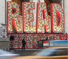 """""""READ"""" Sculpture Out of 25,000 Dr. Seuss Books at New York Public Library 