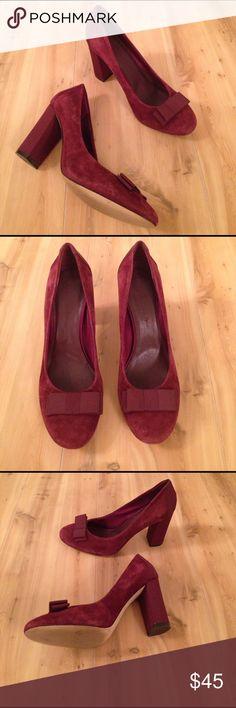 Banana Republic Heels Maroon heels from banana republic. Size 9M Banana Republic Shoes Heels