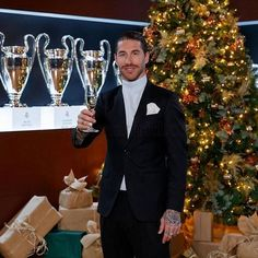 Sergio Ramos makes list of footballers your wife wants to have sex with Pique Barcelona, Lionel Messi Barcelona, Real Madrid, Ruben Loftus Cheek, Footballers Wives, Cristiano Ronaldo Juventus, Sports Celebrities, Your Wife, Spice Girls
