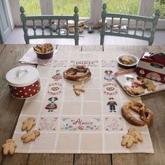 Torchon « Petits alsaciens » les brodeuses parisiennes