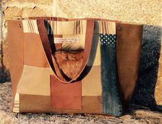 Sac cabas patchwork camel et bleu : Sacs à main par latelier-des-auches