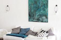 Rastas-Straße 25: Taulu, jolla ei ollut nimeä Throw Pillows, Interior, Home, Egg As Food, Toss Pillows, Design Interiors, Decorative Pillows, Decor Pillows, Interiors