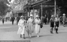 Women In Lord Street Part of The Francis Frith Collection of historic photographs of Free to browse online today. Your nostalgic journey has begun. Vintage Comic Books, Vintage Comics, Vintage Photographs, Vintage Images, Stylish Hats, Dapper Men, Southport, Boater, British History