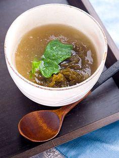 【ELLE a table】もずくのねばねばスープレシピ|エル・オンライン