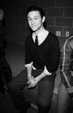 Joseph Gordon Levitt. Please stop being so cute! I've pinned him too many times..haha