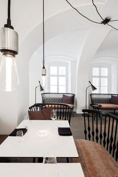 Lingenhel Vienna – Shop, Bar, Restaurant and Cheese Dairy Design Bar Restaurant, Cafe Restaurant, Restaurant Ideas, Commercial Interior Design, Commercial Interiors, Cafe Interior, Best Interior, Vienna Cafe, Pub Design