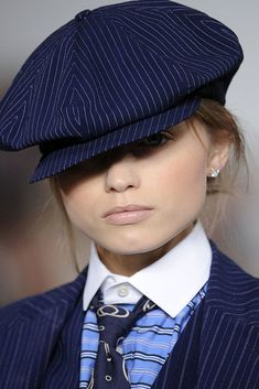 Ralph Lauren Spring 2010 Ready-to-Wear Collection - Vogue Look Rock, 90s Fashion, Fashion Show, Fashion Outfits, Womens Fashion, Women Wearing Ties, Preppy Wardrobe, Tomboy Look, Casual Summer Outfits For Women