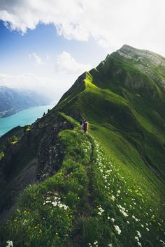 The highest line between Brienzer Rothorn and Augstmatthorn - Brienzersee, Swiss