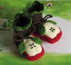 DIY Project: How to Crochet Baby Sandals [video]