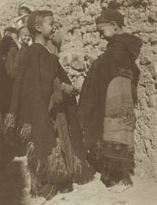 Sephardic Jews. La vie juive au Maroc – Arts et Traditions. Edité par A. Muller-Lancet et D. Champault, Tel Aviv, 1986   Archives Besancenot 1935    Région de Ouarzazate, Tikirt