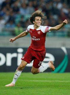Frenchman Matteo Guendouzi sealed the win late on with a fine strike into the bottom corner Arsenal Fc, Arsenal Players, Arsenal Football, Football Soccer, College Football, Professional Goals, English Premier League, Old Trafford, European Football