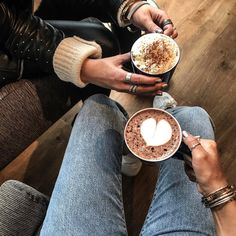 "14.1 k mentions J'aime, 49 commentaires - Camille Callen (@noholita) sur Instagram: ""Cheers ® #chocolate"""