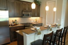 Great staging idea for kitchen BSP kitchen Kitchen And Bath, Kitchen Dining, Kitchen Decor, Kitchen Counters, Kitchen Staging, Open House Plans, Home Staging Tips, Clutter Free Home, Home Porch