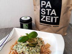 Lupinen-Zucchini-Pasta - mit Pinienkernen und Ricotta Pesto, Kraut, Ricotta, Zucchini Pasta, Chicken, Food, Texas Bluebonnets, Pine Tree, Fast Recipes