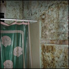 Bathroom in an abandoned house, Ninth Ward, New Orleans USA, 2006 © Incognita Nom de Plume