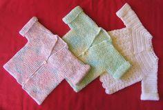 Free baby cardigan knitting pattern. No seams, garter stitch, using regular needles. Sounds pretty achievable!