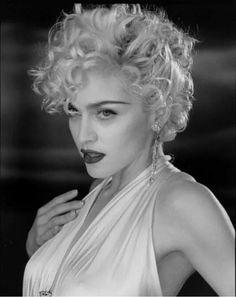Madonna Vogue video 1990