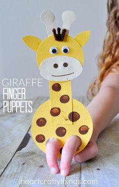 Eine Giraffen-Finger-Puppe.