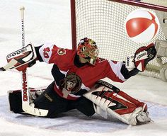 Ottawa Senators goalie choking comedy pic #Hockey #Humor