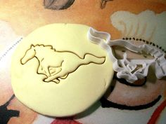 Hey, I found this really awesome Etsy listing at https://www.etsy.com/listing/208622107/mustang-ford-logo-cookie-cutter-made