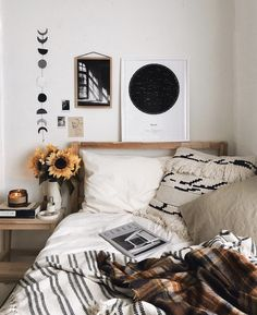 Minimalist Apartment Decoration - When it is likely to manage to live in a luxury apartment then you definitely have to have the ability to afford having it decorated in a way that would look and feel appropriate for you. Small Master Bedroom, Master Bedroom Design, Bedroom Inspo, Home Decor Bedroom, Bedroom Ideas, Autumn Decor Bedroom, Diy Bedroom, 1920s Bedroom, Bedroom Corner