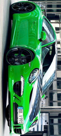 Porsche 911 by Levon