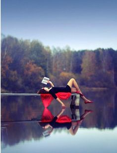 Reading in peace…dream life lake senior pictures, senior pics, casual senior pictures Good Books, Books To Read, Diane Arbus, Marcel Proust, Jolie Photo, Note To Self, Happy Weekend, Book Worms, Reflection