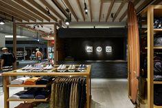 Quiksilver store in Yokohama by Specialnormal inc.