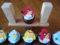 Libby's Cupcakes Etc: Angry Birds Party Cupcakes
