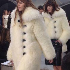 ESSY Sheepskin Coat, White Fox, Fur Fashion, Sexy Women, Lady, Jackets, How To Wear, Clothes, Fur Coats