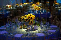 Art Institute's Van Gogh Gala: Sunflowers and a bedroom in Arles Debut Themes, Debut Ideas, Dance Themes, Homecoming Decorations, Prom Decor, Gold Wedding Decorations, Wedding Vans, Dream Wedding, Diy Wedding