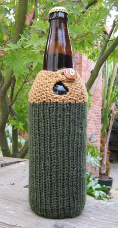 Free Knitting Pattern for Seeing Double Beer Cozy - Great Father's Day Gift! designer says it takes just one or two hours. She also says her version kept her beer cold for 2 hours. It is sized to fit a 22 oz bottle, but the pattern could easily be adjusted to fit a traditional 12 oz bottle. Designed by Jeanette Mirken