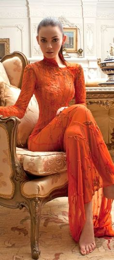 The color story of orange - the autumn color - sexy lady in orange dress - Just Girly Things, Sexy Dresses, Prom Dresses, Dresses 2016, Orange Mode, Robes Glamour, Mode Boho, Orange Fashion, Estilo Fashion