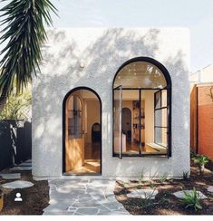 The Design Files - A Home Of Pink Terrazzo And Endless Archways! Terrazzo, Exterior Design, Interior And Exterior, Tiny House Exterior, Modern Exterior, Architecture Design, Australian Architecture, Windows Architecture, Australian Houses
