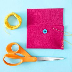 Make It: Simple Felt Pouch. Great beginner sewing project!