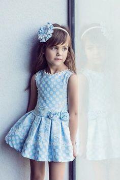 """Notajunto Boutique Infantil www.notajunto.net """"Vistiendo tu infancia desde 1988"""" C/ Salvador y Vicente Pérez Lledó 9 Mutxamel (Alicante) 965952070-653832575 #ceremonia #notajunto #estilo #fashionkids #artesania #baby #modainfantil"""