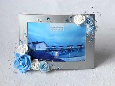 """Декор фоторамки для свадебной фотографии (цветы из фоамирана, бусинки, стразы). Фоторамка """"Blue Silver""""."""