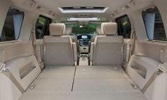 Nissan Quest 3.5 LE interior