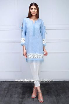 Sania Maskatiya Kurti 2017 UK Online Buy at Black Friday Sale at Dress Republic Fashion Store for Women Party Wear and Casual Wear Dresses. Stylish Dress Designs, Stylish Dresses For Girls, Designs For Dresses, Simple Dresses, Pakistani Fashion Casual, Pakistani Dresses Casual, Pakistani Dress Design, Pakistani Dresses Online Shopping, Indian Dresses