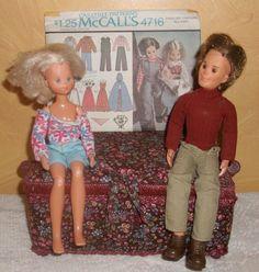 LOT/1973 SUNSHINE FAMILY DOLLS/MOM/DAD/+MCCALLS'S UNCUT 1975 PATTERN #Mattel #DollswithClothingAccessories
