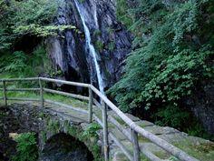 Proponiamo una escursione nelle montagne dell'alto Verbano occidentale, tra natura, storia e belvederi. Un giro nella tranquilla Val Cannobina percorr...