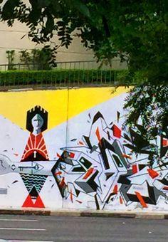 Bom Dia! A grande diversão e observar cada pedacinho de,Sampa, da janela do carro, porém qdo estiver parado no farolEu adoro! A 23 de maio agora é um museu de arte de rua em céu aberto   #dajaneladocarrocq #saopaulo #sampa #myviewfromsaopaulo #461 #461anos #art #artederua #streetart #artederua #caicodequeiroz