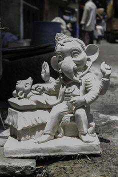 Ganesha Drawing, Lord Ganesha Paintings, Lord Shiva Painting, Jai Ganesh, Ganesh Idol, Shree Ganesh, Clay Ganesha, Ganesha Art, Ganesha Pictures