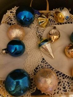 ANTIQUE SHINY BRITE INDENT CONE STAR  FEATHER TREE CHRISTMAS ORNAMENTS 12 VINTAG