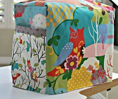 Sewing machine cover. Owls!